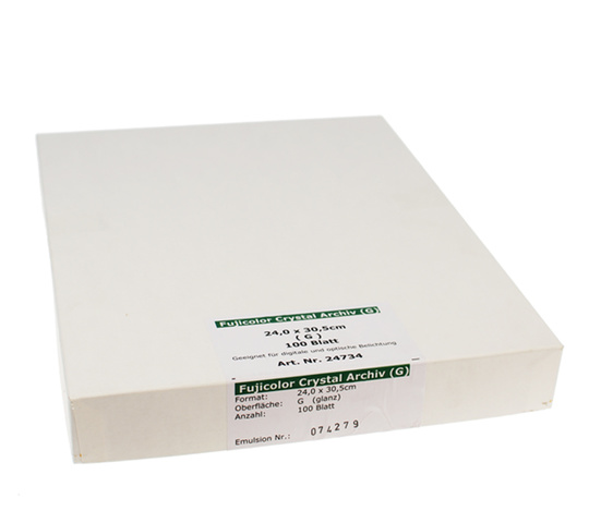 Fujicolor Crystal Archive - High Gloss (RC) - 18x24 / 100 Sheets - Gradation: Normal (3)